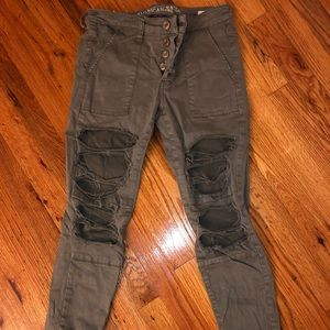 American Eagle Ripped Olive skinny jegging (Used)